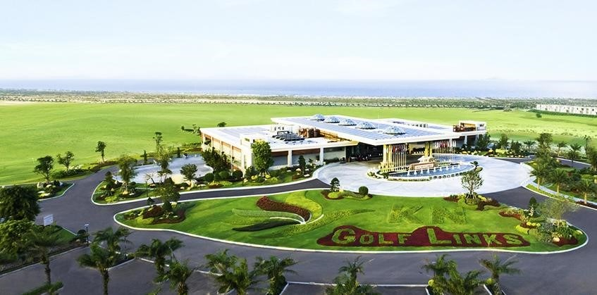 Clubhouse tại KN Golf Links