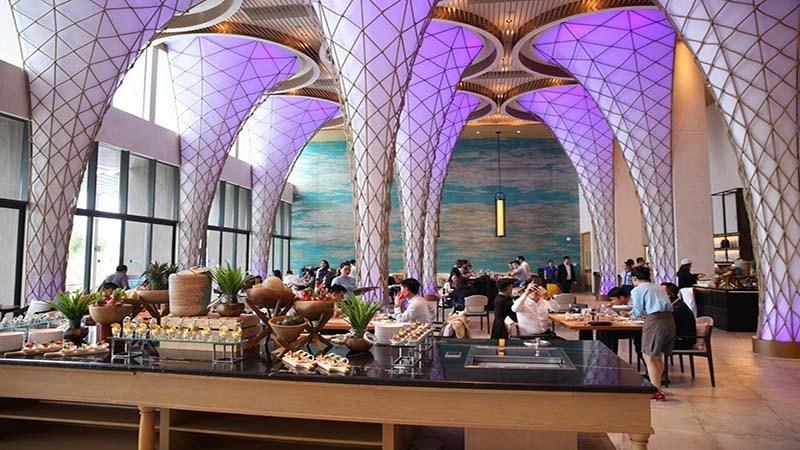 Nhà hàng Sunrise tại Radisson Resort Cam Ranh