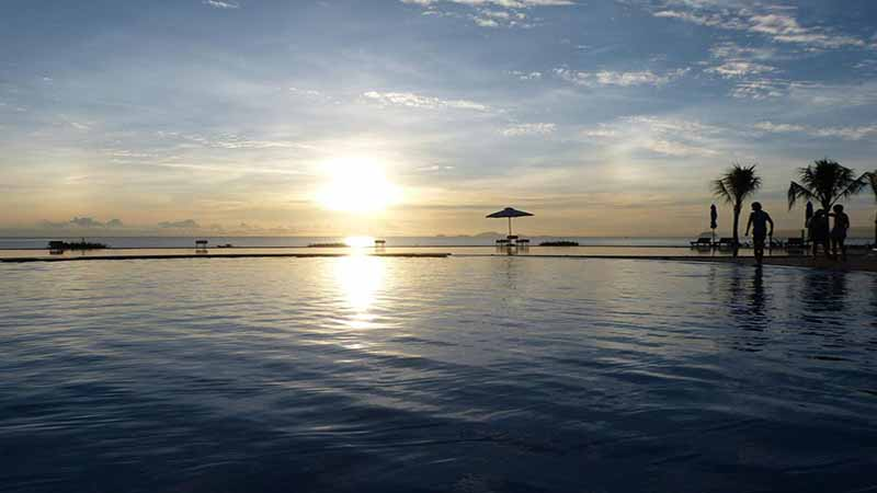 Ảnh hoàng hôn trên biển tại khu Resort