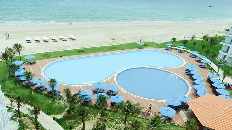 Hồ bơi tại Golden Peak Resort & Spa Cam Ranh