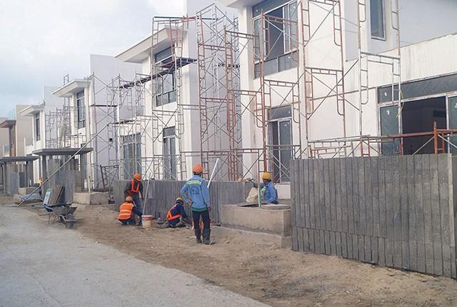 Xây dựng cổng Villa khu P