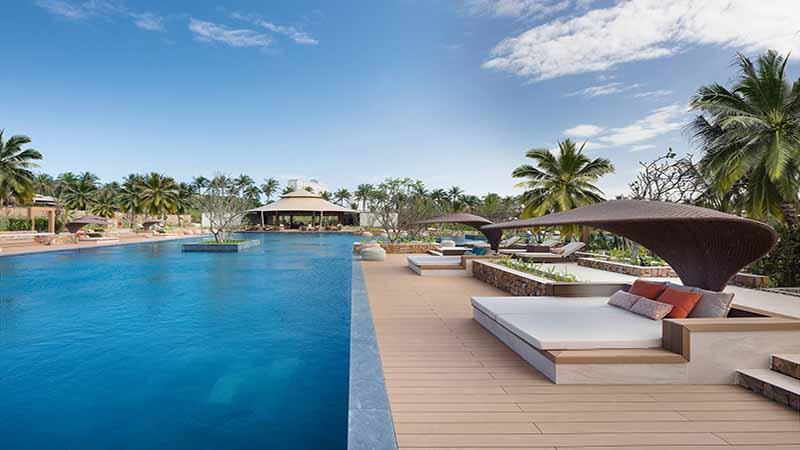 Hồ Bơi Sang Trọng, đạt Chuẩn 5 Sao Của Fusion Resorts Cam Ranh