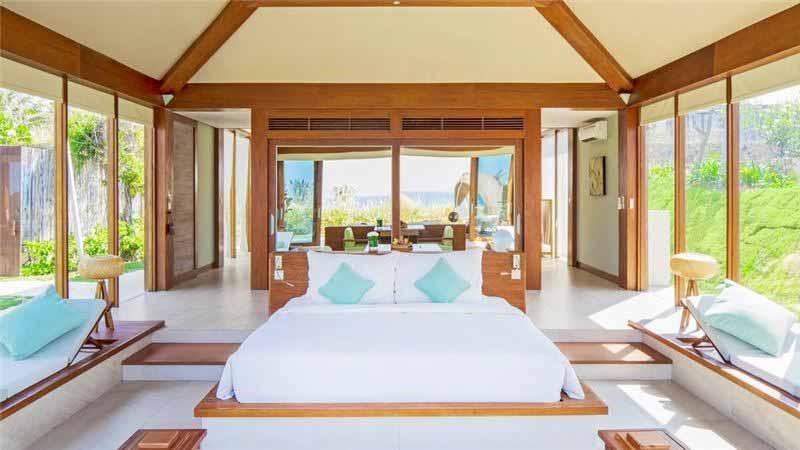 Phòng Ngủ Của Resort được Thiết Kế Sang Trọng Với Gam Màu Trung Tính