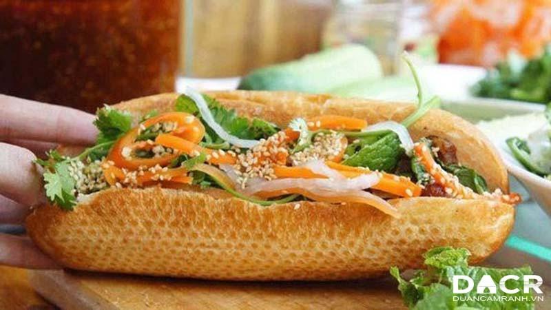 Bánh mì - món ngon Cam Ranh