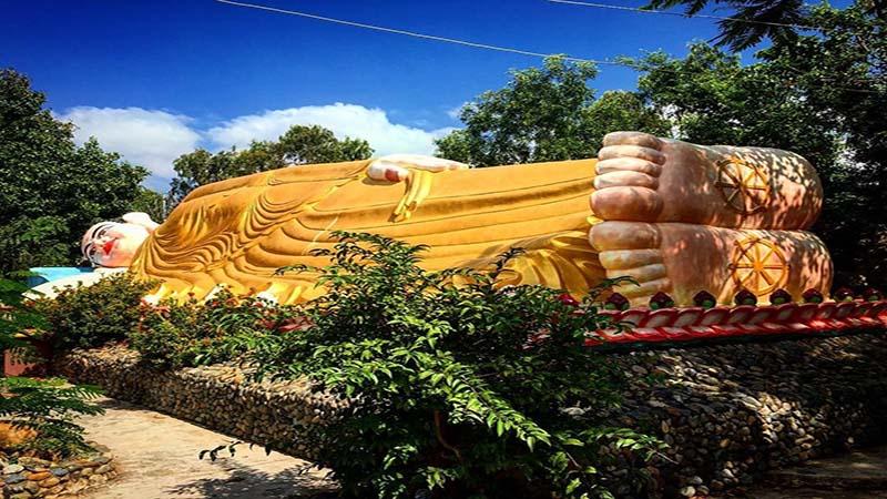 tượng phật nằm tại Chùa Ốc Cam Ranh